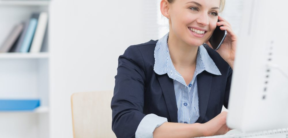 referral marketing/business woman computer/Starting your Concierge Business/Growing a Concierge Business/Build a Personal Concierge Business/www.theconcieregeacademy.com