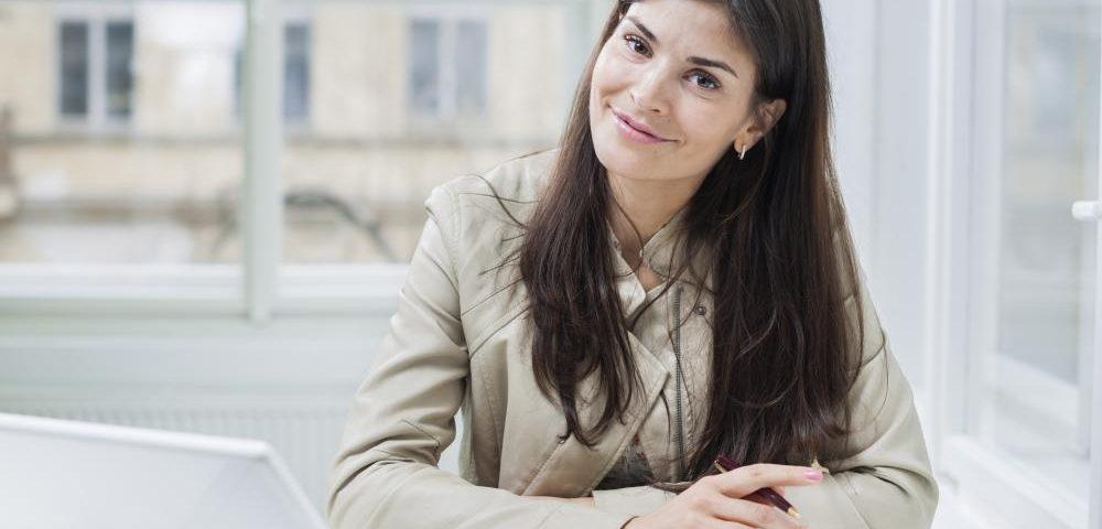 business woman smiling, concierge business. personal assistant, entrepreneur, 6 figure business